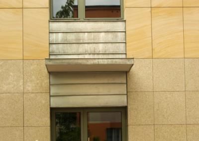 profilowe-drzwi-zewnetrzne-przeszklone-zielone