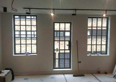 okno z profili stalowych
